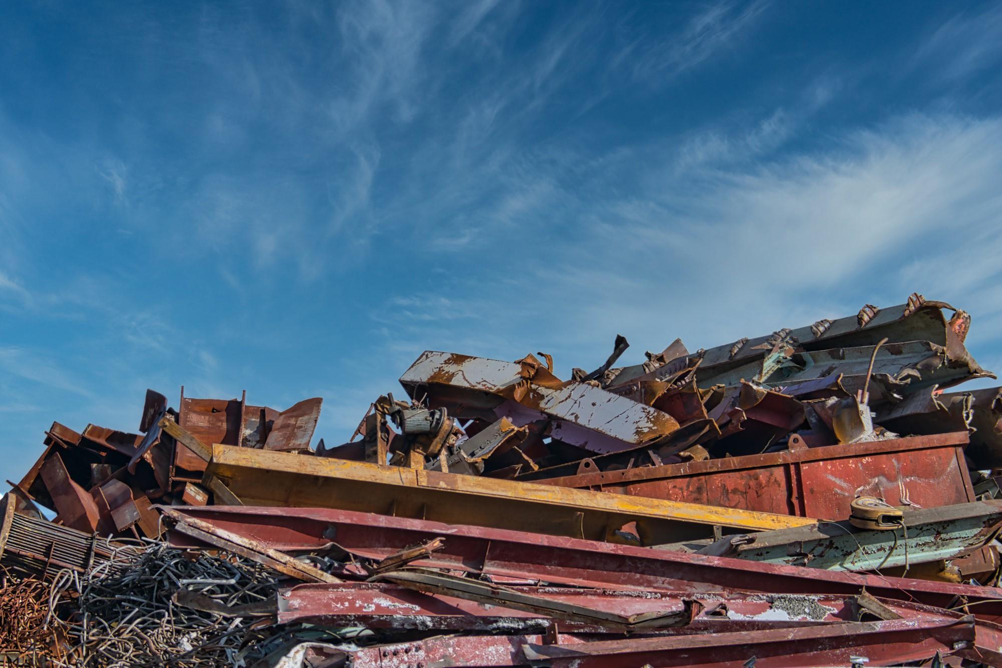 産業廃棄物のマニフェストとは?書類の内容や種類、流れなどを解説