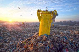 産業廃棄物の不法投棄と罰則について