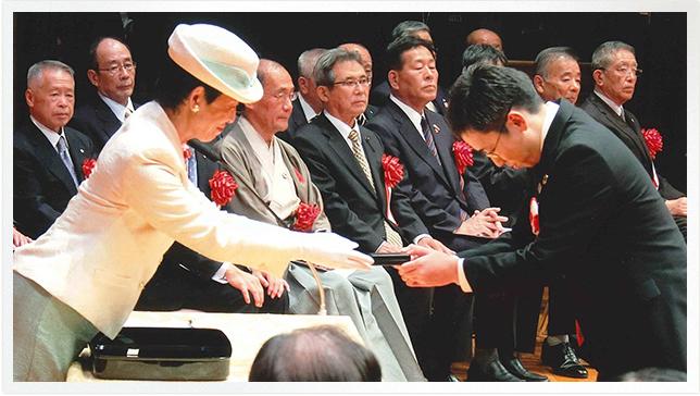 日本赤十字社に関する三つの表彰を拝受いたしました。